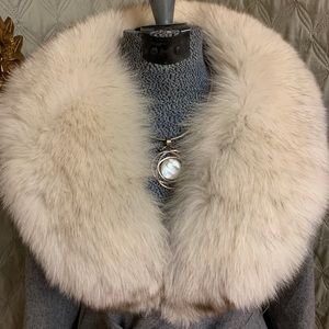 Fancy belted wool fox fur collar trench WOW! 😱
